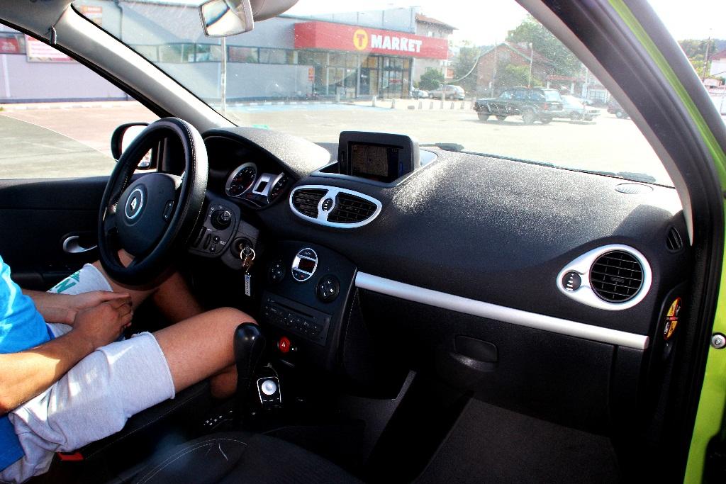 Renault Clio 2009 – automat economy-2